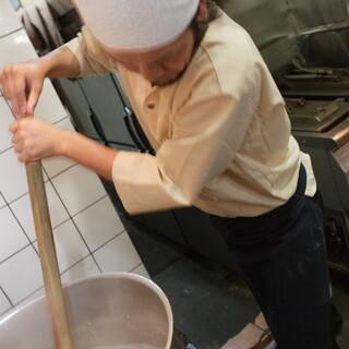炊き出し豚骨スープ