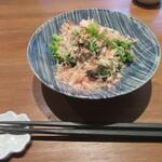 手打ちそば むら季  - お通しの「小松菜のお浸し」