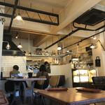 カフェ ファンチャーナ - 店内