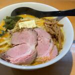 麺匠 喜楽々 - 料理写真:みそカレー牛乳ラーメン 880円