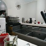 ボーイズカレー - 玄関正面が厨房。