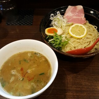 也 - 料理写真:牡蠣のつけ麺か