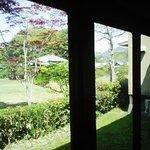 美味美園 天赦園 - 「天赦園さがの」窓の外は、伊達家のお庭「天赦園」