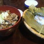 14190107 - 左、飛騨牛牛丼。右、ほうば寿司