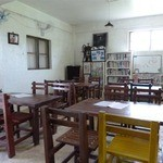 14190421 - 教室のような店内