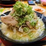 141902130 - 令和2年10月 くらおチャーシュー麺とんこつ 960円