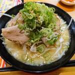 141902138 - 令和2年10月 くらおチャーシュー麺とんこつ 960円