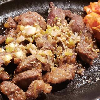 日本では取り扱いが少ない豚焼肉「カルメギサル」!