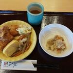 ぼんぼり - 料理写真:量り売り惣菜(イートイン版)