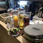 粥麺楽屋 喜々 - ランチのドリンクバー