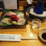 そら - 料理写真:お造り盛り合わせ & 冷酒(黒龍 吟醸 ひやおろし)