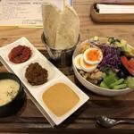 ソルトウォーターテーブル - サラダタコス スープ付き