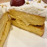 ソルトウォーターテーブル - パンケーキの中央にバターが〇