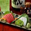 南島酒房 黒うさぎ - 料理写真:沖縄マグロとセーイカの二点刺身980円