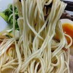 博多一舞 - 自家製麺リフトアップ