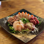 すゞき - 鶏お造り(5種) 1,980円 (名物しらきも、地鶏タタキ、甘いささみ、ずり、心)