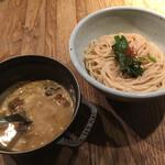和醸良麺 すがり - もつつけ麺