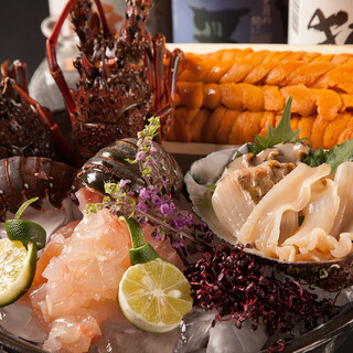 【駿河湾】から毎朝仕入れる鮮魚をふんだんに使用。