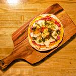 銀座バー GINZA300BAR 銀座8丁目店 - マルゲリータピザ