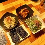 GU3F - もやしナムル・浅漬けキムチ・水菜胡麻かけ・韓国のり
