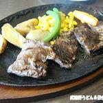 ステーキレストラン 真 - 料理写真:カットステーキ