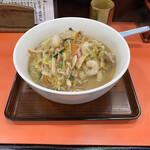 龍飯店 - 料理写真:特製ちゃんぽん@700