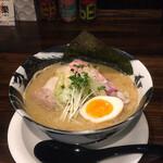 Raku - 冬の限定!煮干し白湯ラーメン