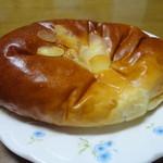 14203216 - クリームパン