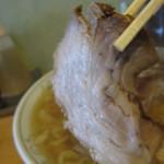 森田屋 - チャーシューは「バラ肉」を使用・・・