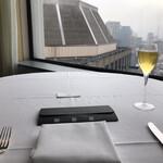 ベッラ・ヴィスタ - ランチプリフィックスコース6500円。アップルサイダー。眺めも素晴らしく、大満足です(╹◡╹)