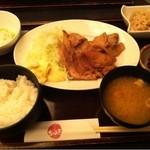 14204485 - 豚ロース生姜焼き定食1000円