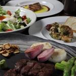 鉄板焼 ろじ - 飲み放題付きのコース料理も人気です!