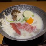 月日亭 - 大和牛味噌豆乳鍋