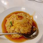 yokohamachuukagaikaigenshukataiwanshourompousemmonten - フカヒレ姿煮かけチャーハン、姿煮と言える大きさでは無いかな…