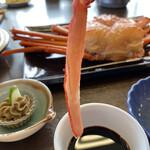 御食事処 弓ヶ浜 - 蟹刺しと蟹味噌