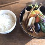 奥芝商店 - チキンレッグと野菜 エビスープ 舞茸トッピング ご飯普通 3番
