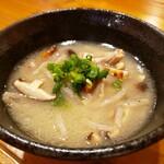 スープ職人が作る創作 島居酒屋 めんば~る - 特製スープの中身汁