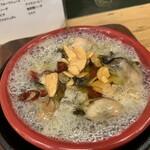 肉バル ビーフキッチンスタンド - 牡蠣のアヒージョ