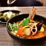 Rojiura Curry SAMURAI. - 【侍.まつり(3種)@1,500円+エビスープ@200円+ライスSS(80g)@-50円】3種トッピング:牡蠣、あさり、サクサクブロッコリー