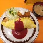 Kicchinebishi - オムライス、カニコロトッピング、豚汁付き