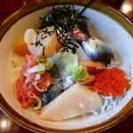 魚がし 大膳 - 料理写真:特上海鮮丼 880円