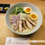 142089768 - 鶏白湯そば 味玉入り  1000円