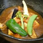 北海道スープカリー専門店 マナ - チキンときのこカリー(辛さ:3)