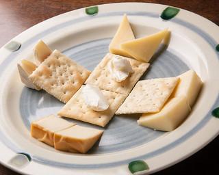浪漫風 - 価格、種類、ちょうど良い!「チーズの盛り合わせ」