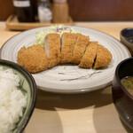 桔梗亭 - 料理写真:ロースカツ 衣あっさり肉柔らかい