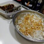 麺屋のすけ - 白ネギ200円税込と当たりの高菜
