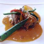 イル・ソーニョ - 牛肉の白ワイン煮 夏野菜添え・・ほほ肉が使用されていますが、トロトロですね。
