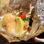 酒菜屋 志らい - 鮭のホイル蒸し。