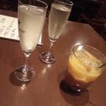 ピアットジョルノ - スパークリングワイン2とカシスオレンジ