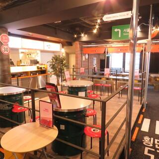 韓国の街並みを本格的に再現した、SNS映えのこだわり異空間♪